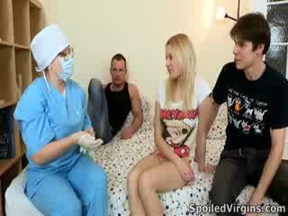 Losing suo virginity è an impressionante evento e natali wants a rendere il più di esso.
