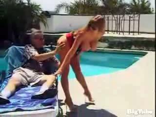 Darla crane titty fucks และ sucks ควย outdoors