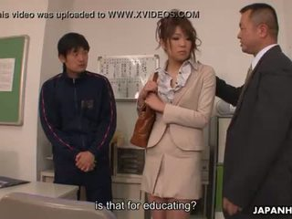 Skolotāja getting viņai vāvere lessons demonstrated līdz the fellas