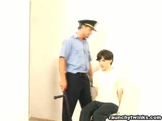 Üleannetu b-y arrested ja perses