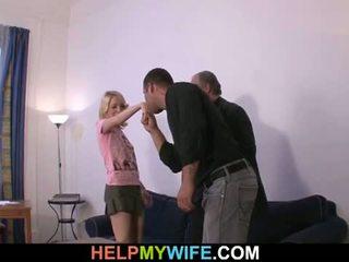 Helpen mijn vrouw: oud man pays gelukkig dude naar neuken zijn geil