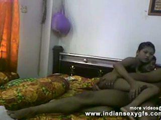 Desi sister brother puke pagdadaliri at pagsubo ng titi before pakikipagtalik sa gawang-bahay pagtatalik video