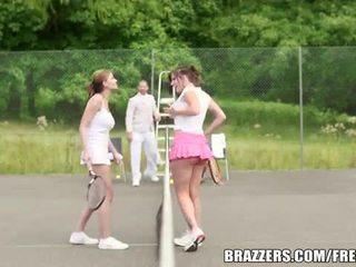 Abbie cat ir a nerātnas teniss skaistule