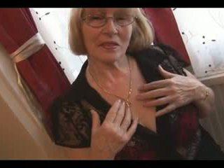 Plaukuotas greanny į nylons stripping