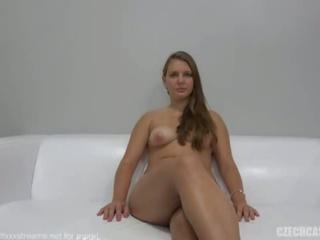 Canavar Göğüsler