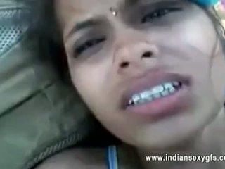 Orissa indisch vriendin geneukt door boyfriend in bos met audio