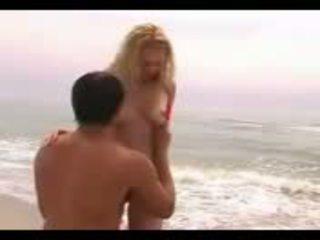 Pusaudze getting nailed par publisks pludmale video