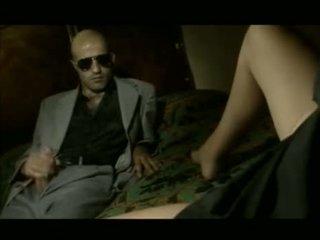 브루 넷의 사람, 오럴 섹스, 질 섹스