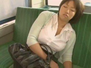 Sleepy момиче used от pervert