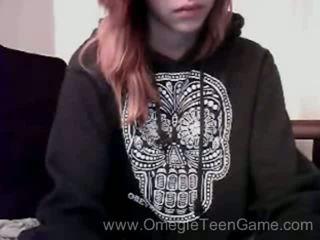 Ryanne plays omegle peliä päällä verkkokameran