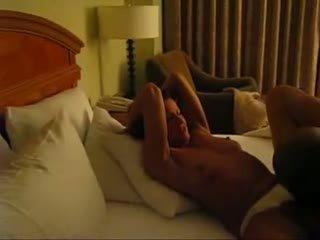 Romantic cornuto filmed da marito video