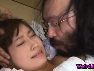 Milf Mika Osawa Gets The Vibrassieretor Onto Muff