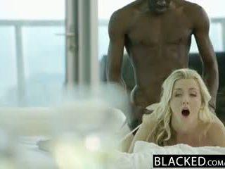 Blacked 令人驚嘆 金發 karla kush takes 大規模 黑色 公雞