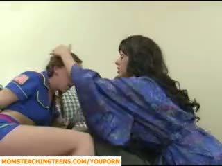 엄마 seducing 소년 과 비탄 소녀 scout