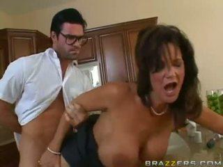 Deauxma getting відтрахана на її twat на the кухня