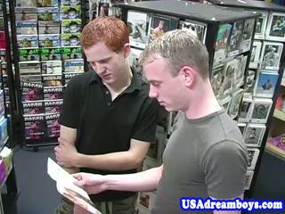Gay yankee tw-nks fucking secretly in public