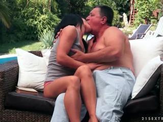 brunette, sexe hardcore, oral