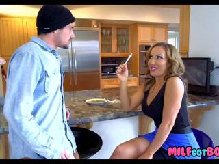 Stacked MILF: Free Brazzers HD Porn Video 0e