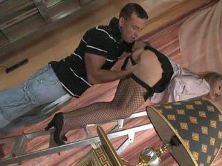 性感 女傭 teasing 和 getting