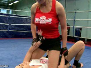 Lezbijke boj težko in zajebal cruel