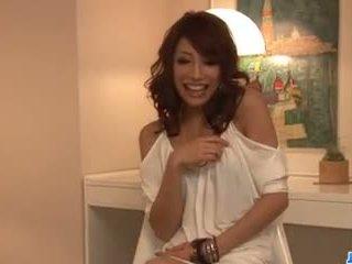 Aya sakuraba amazes s ju fajčenie a tesné pička.