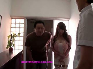 Azjatyckie z duży cycki wearing a purple bikini: darmowe porno d3