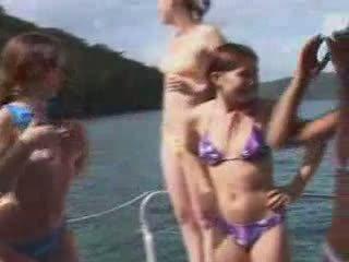 laiva, auto, nudists