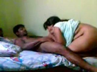 Indieši pieauguša pāris sekss www.playindiansex.com