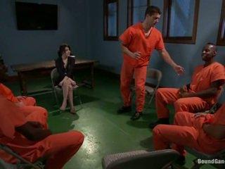 Tegan tate has band thực hiện tình yêu qua sai đường prisoners