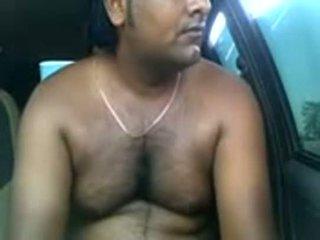 Amadora indiana casal a foder dentro parked carro