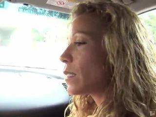 profil pornstar, pornstar bj, bacuľatá pornstar