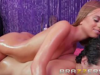 A Hot and Sensual Massage From a Tight Teen - Brazzers
