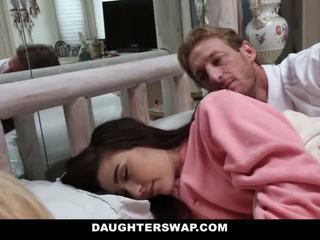 Daughterswap - daughters gefickt während sleepover