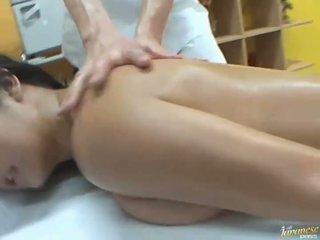 Berminyak asia satomi suzuki likes kelompok masyarakat seks