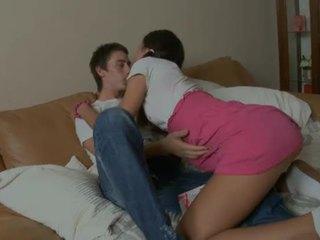 Teen sucker challenges a cock