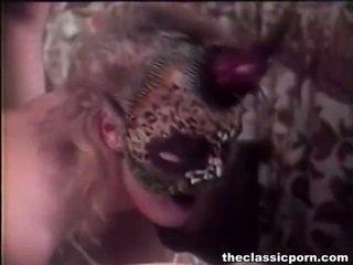 Medus iekšā maska giving bang joy