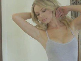 Tiffany toth - playboy - γυμνός/ή βλαστός