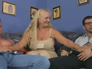 Oma zicke im ein reverse anal piledrive, porno dd