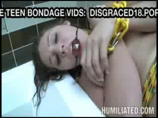 Perhambaan gadis gets mainan fucked sebelum bj