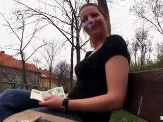 Tsjechisch meisje iveta flashes en publiek neuken