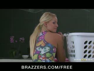 Heet jong blondine tiener meid stays laat naar neuken de husbands lul