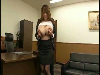 Masiven prsi japonsko gets fondled