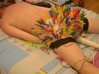 100 clothespins bifoga buttocks få henne unusual nöje