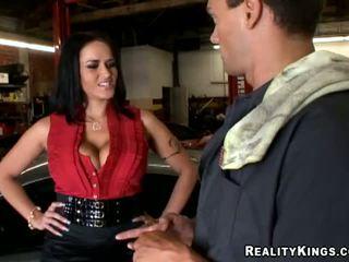 Carmella Bing went to pick up her car mechanic