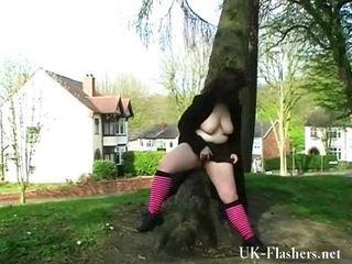 Briest dabbler lass nimues publisks nudity un exhibitionist walks apaļš manchester