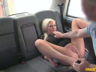 Driver prins wanking în lenjerie intima - porno video 961