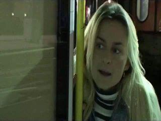 Clara morgane לסבית סצנה