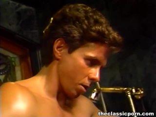 ผสม ของ ภาพยนตร์ จาก a คลาสสิค x ซึ่งได้ประเมิน