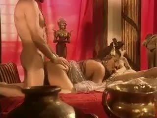 Holly kroppen has sex i egypt