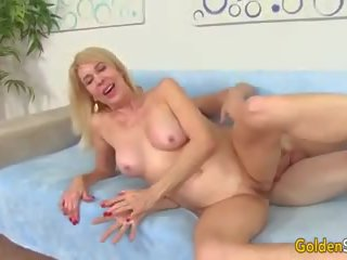 Horny Granny Sucks Cock and Takes it up Her Twat: Porn 49